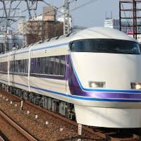 3東武100系2000